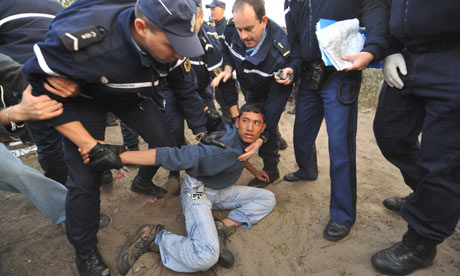 French-police-detain-a-mi-001
