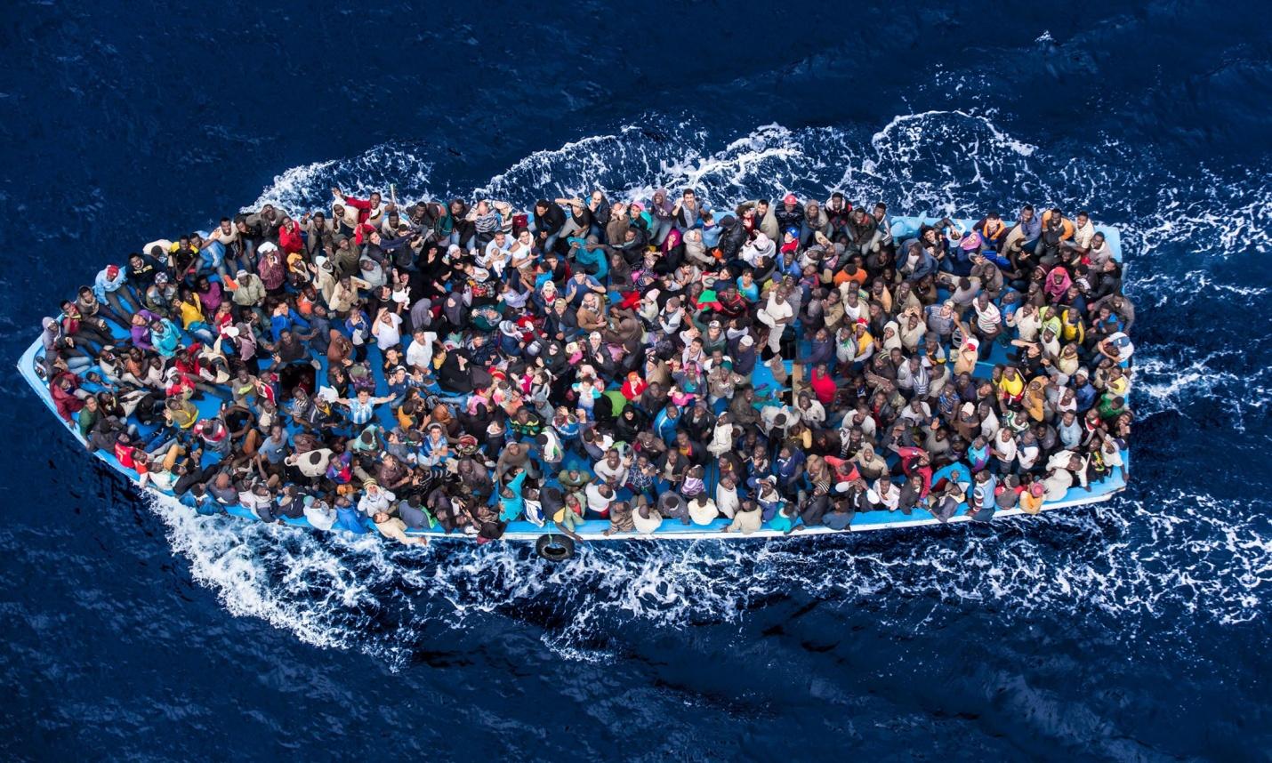 med migrant boat